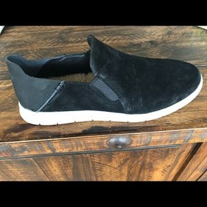 Brand new mens's Ugg slip-on shoes